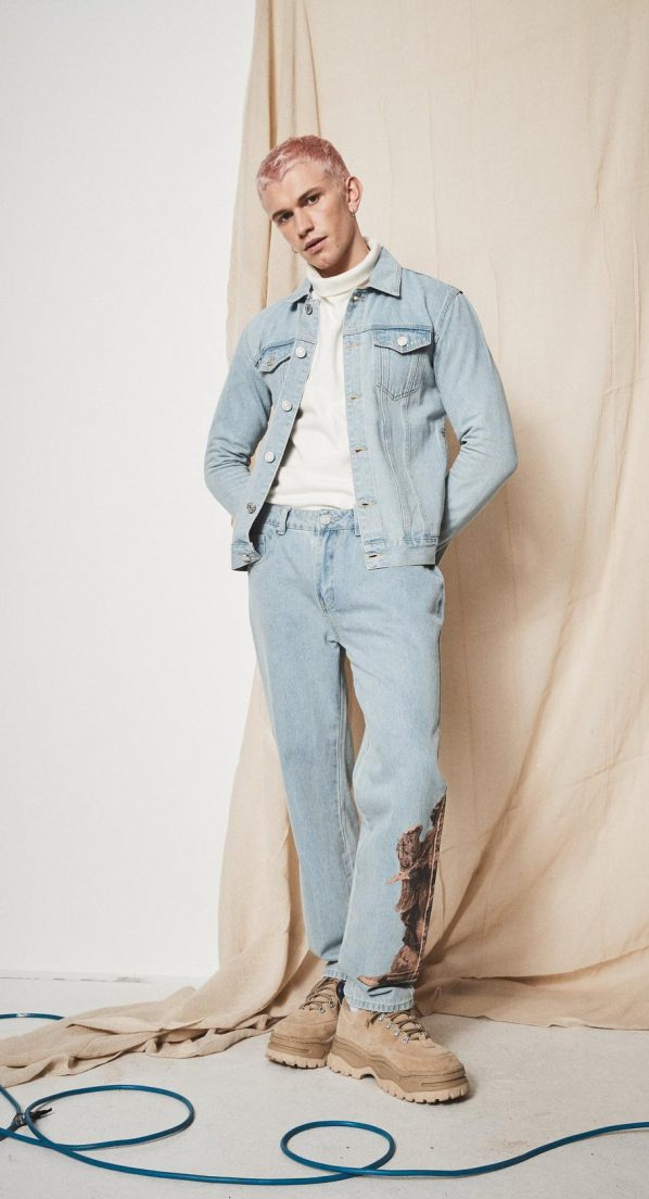 blue-statue-print-relaxed-jeans
